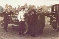 Año 1923. Carrera de coches con un STUDEBAKER como ganador.