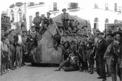 Año 1937. Camión Dodge blindado en Aracena (Huelva).