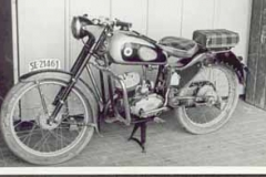 Año 1954. Moto Ossa.