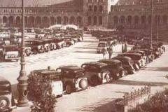 Año 1954. Concentración de taxis.