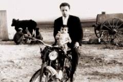 Año 1964. Guzzi en el campo.