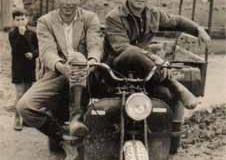Año 1961. Motocarro.